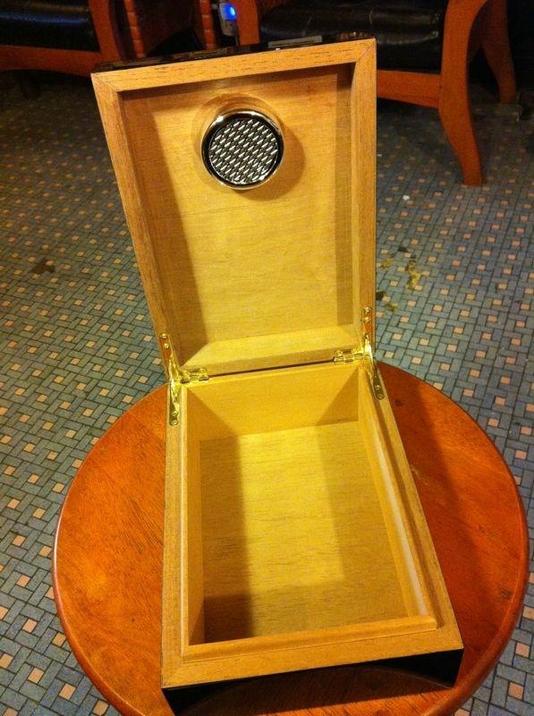 雪茄盒/雪茄箱(Cigar Humidor)