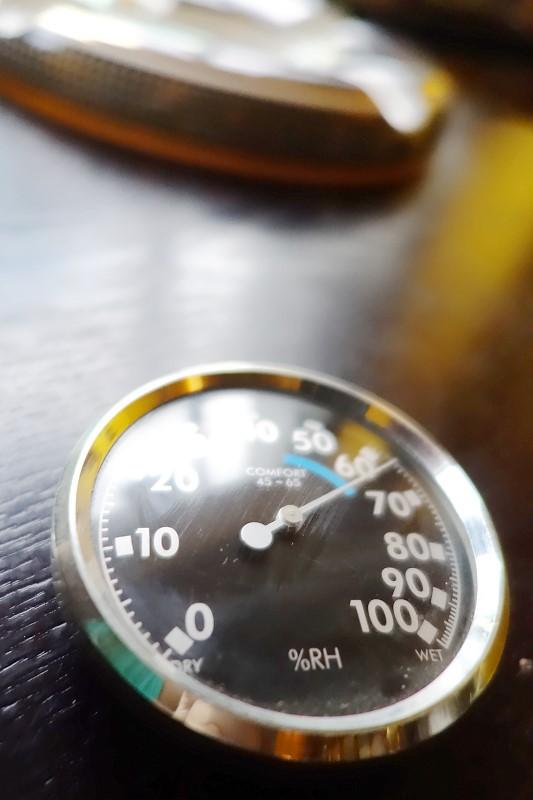 雪茄溫度濕度計, Cigar hygrometer